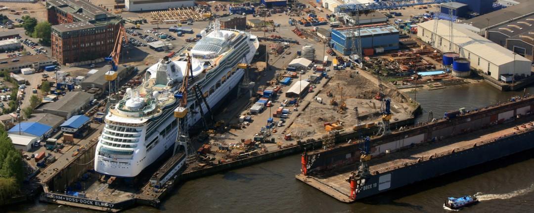 Kreutzfahrtschiff im Dock