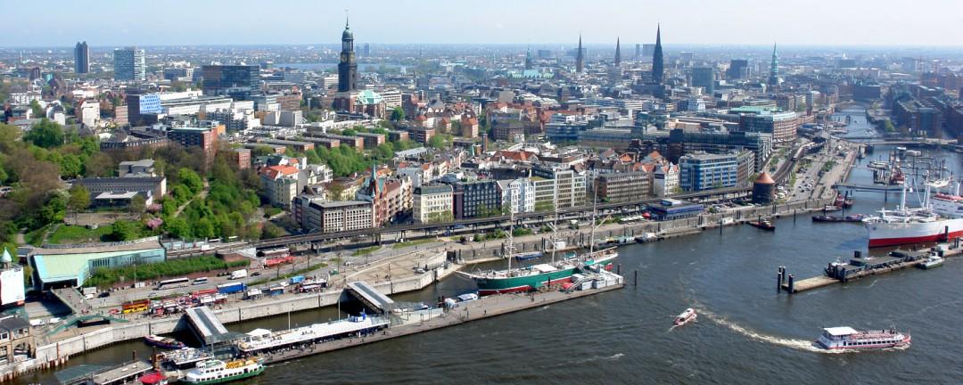 Luftbild Landungsbrücken Hamburg